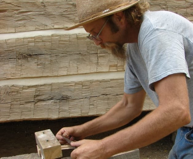 """Workshop Series to Teach """"Green"""" Construction with Traditional Tools"""