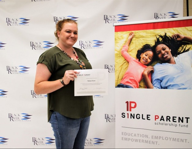 Arkansas Single Parent Scholarship Fund – Randolph County Awards Three Students for Fall 2020