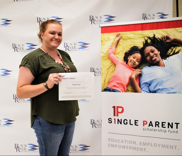 Arkansas Single Parent Scholarship Fund – Randolph County Awards Three Students for Spring 2021