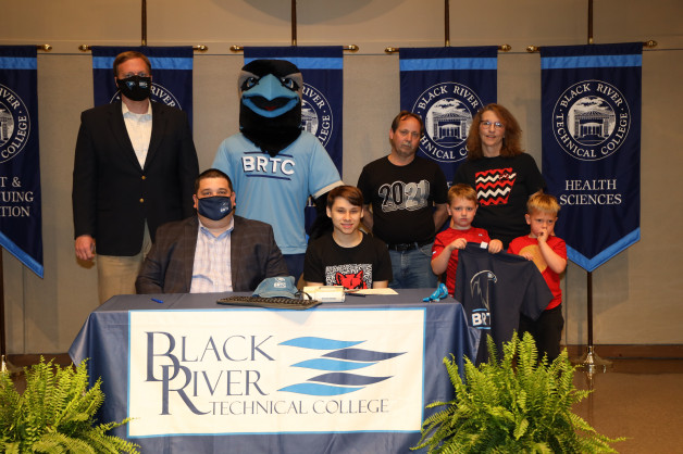 Rosson Steele Signs with BRTC