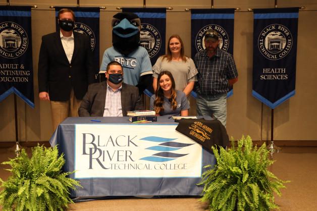 Hannah Webb Signs with BRTC