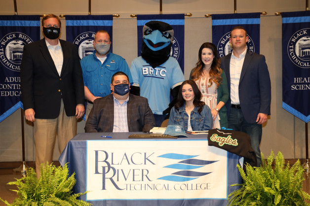 Kailey Jett Signs with BRTC