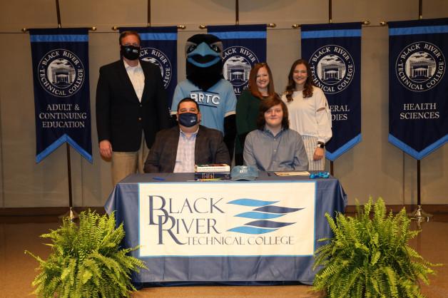 Mason McGinnis Signs with BRTC