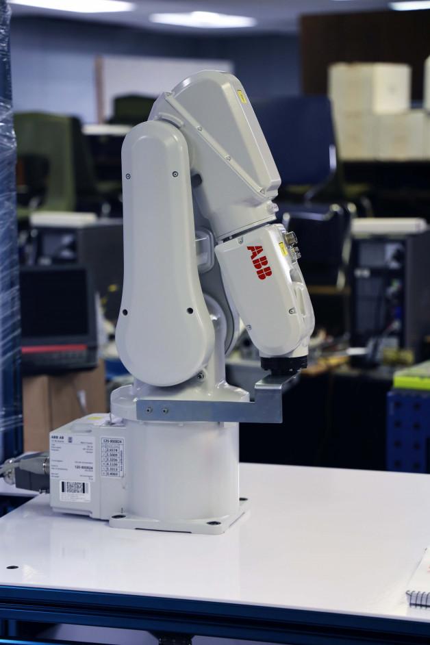 BRTC Acquires Eight New ABB Robots